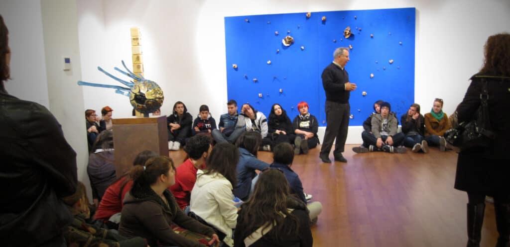 Pino Di Gennaro parla agli studenti del Liceo Artistico di Foggia